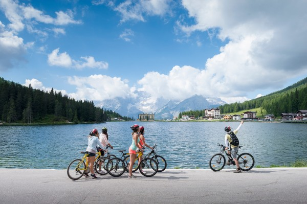 tre cime bike cycle path misurina lake